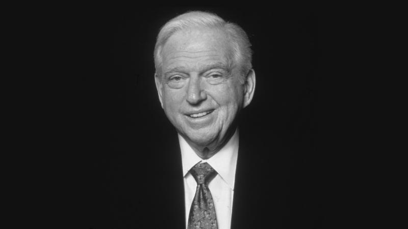 """""""Una hoja de papel en blanco es la forma en que Dios nos dice lo difícil que es ser Dios"""".Sidney Sheldon"""